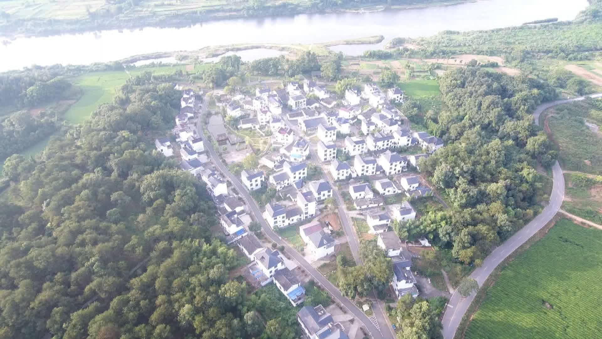 德兴市汪家村:贫穷落后的小山村变成远近闻名的示范村