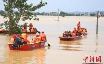 直擊江西鄱陽潰堤洪災救援現場 被困民眾有序撤離
