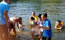 横峰县志愿者成功救起3名溺水者