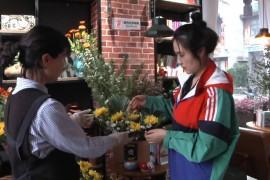 上饶:清明时节鲜花俏 文明祭祀新风漾